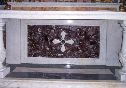 Realizzazione Altare in Marmo
